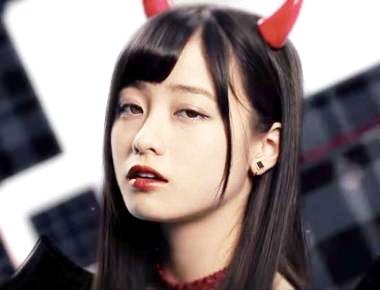 【奇跡】橋本環奈は実は双子だった!!母が美人すぎると話題 ...